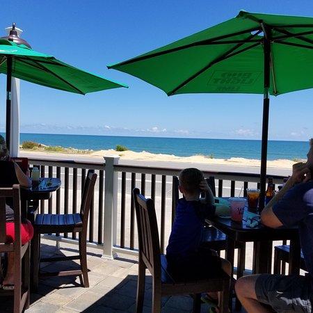 Oceanside Beach Bar and Grill: photo0.jpg