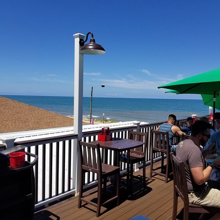 Oceanside Beach Bar and Grill: photo1.jpg