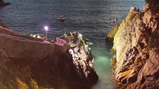 High Cliff Divers by Night with Dinner