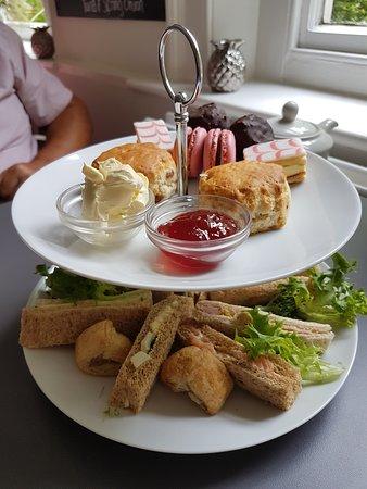 Lenham, UK: Groupon afternoon tea
