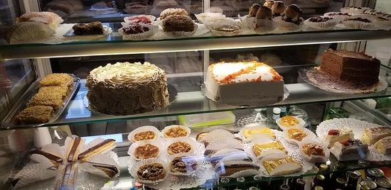 Les Delices de Josephine: Baked goods!