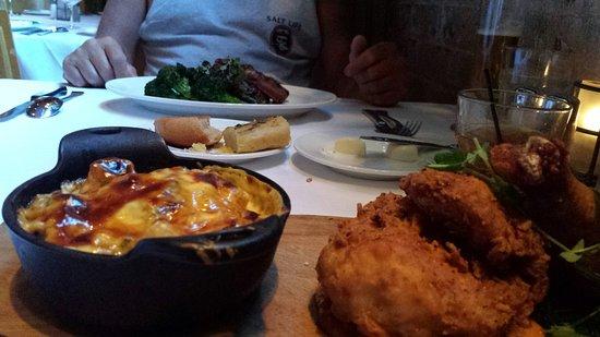 """Emeril's New Orleans: Emeril""""s Restaurant @ 800 Tchoupitoulis"""