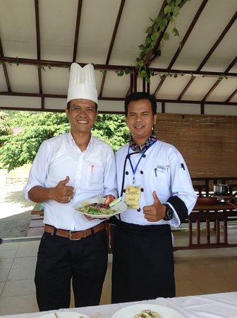 Tuktuk Siadong, Indonesia: Assesorku waktu uji kompetensi kitchen