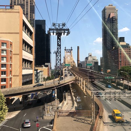 photo8 jpg picture of the roosevelt island tramway new york city rh en tripadvisor com hk