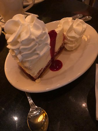 The Cheesecake Factory: Cheesacake