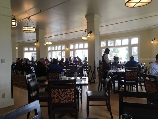 Elegant Lake Yellowstone Hotel Dining Room: Dining Room