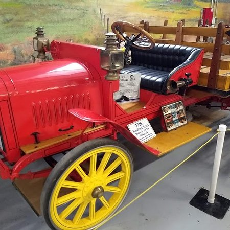 Brooks, OR: 1916 Moreland Truck