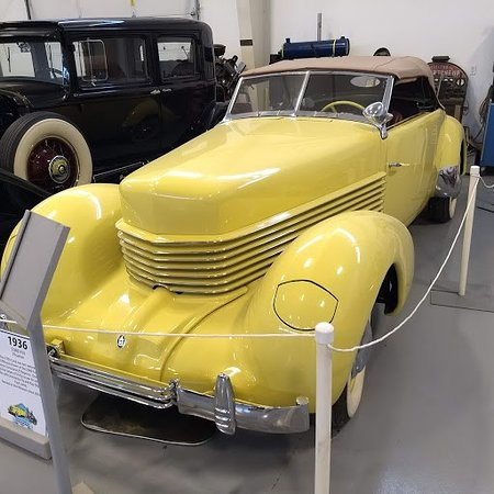Brooks, OR: 1936 Cord