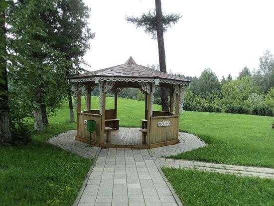 Altai Krai, Russland: Отреставрированная старинная беседка у купеческого дома Платонова