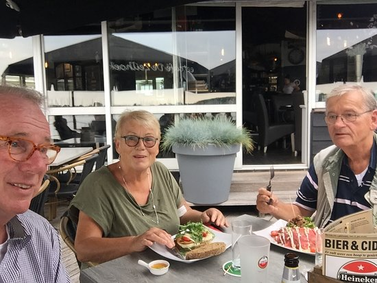 Katwoude, Holland: Oudjes genieten