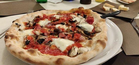 Holzofen Pizza