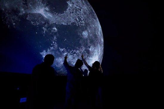 Parco Astronomico San Lorenzo: luna a led nel parco san lorenzo