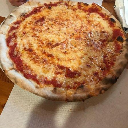 Pizzeria Black Bull: photo0.jpg