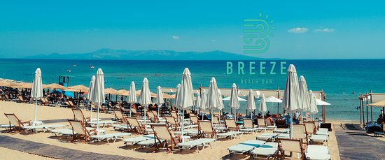 Breeze Beach Bar