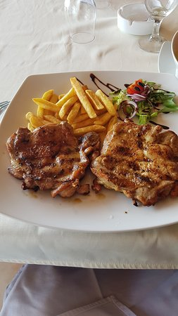 Svilajnac, Serbia: Chicken on the grill