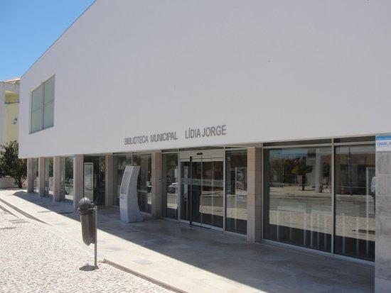 Biblioteca Municipal Lidia Jorge