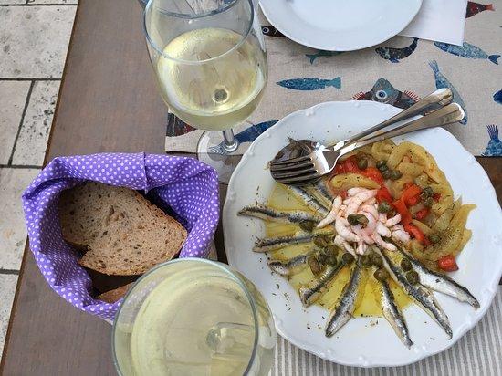 Marinated fish mix and roasted peper salad