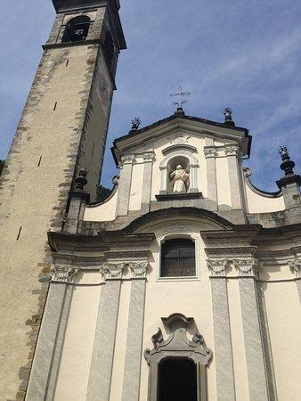 Facciata Chiesa S.Bartolomeo Gerola Alta