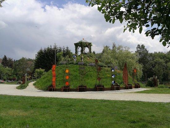 Arnbruck, Γερμανία: Wunderschöne Gartenanlage