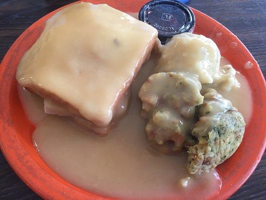Aitkin, MN: Hot turkey, stuffing & mashed potatoes