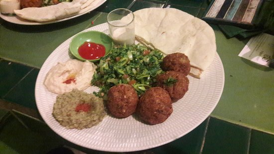 AKAR Cafe Lovina: Falafel bij Akar cafe