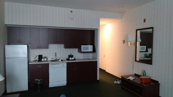 Hampton Inn by Hilton Ottawa: P_20180804_180007_large.jpg