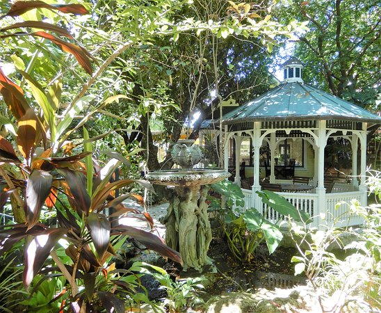 Sundy House: Stroll the beautiful grounds