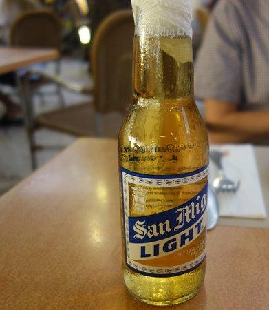 Aria Restaurant: フィリピンのビール、サンミゲル