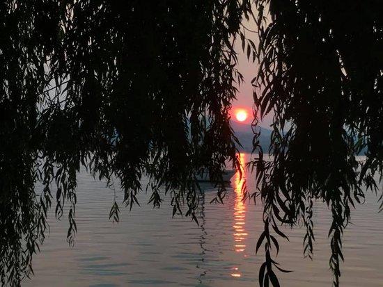Strandhotel: Mehrere schöne Sonnenuntergänge erlebt