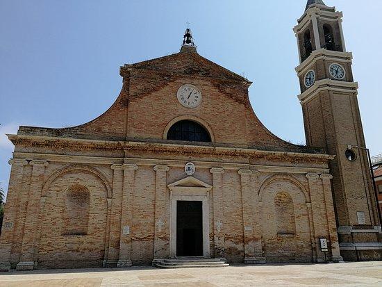 Chiesa di San Pio V: l'esterno della chiesa