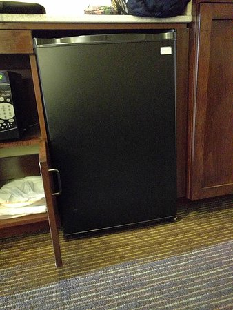 Holiday Inn Express Hotel and Suites Scottsdale - Old Town: Refrigerator