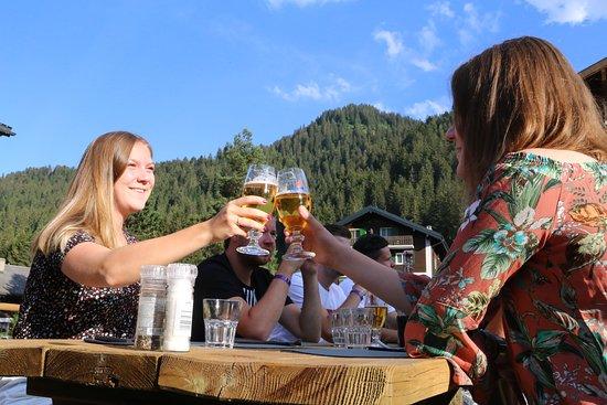 Morgins, Suisse : Cheers!