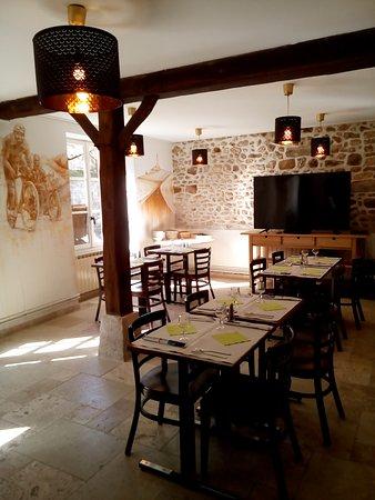 Dannemois, Frankreich: Restaurant