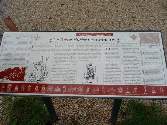 Lampaul-Guimiliau, France: Enclos des tanneurs