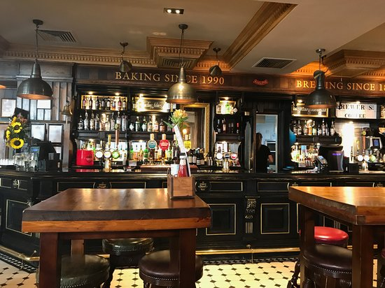 Fuller's Pie and Ale House: Theke