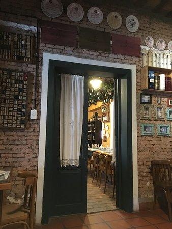 Azcuenaga, Argentina: Salones