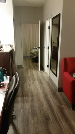 Country Inn & Suites by Radisson, Wilson, NC: view thru rooms from door