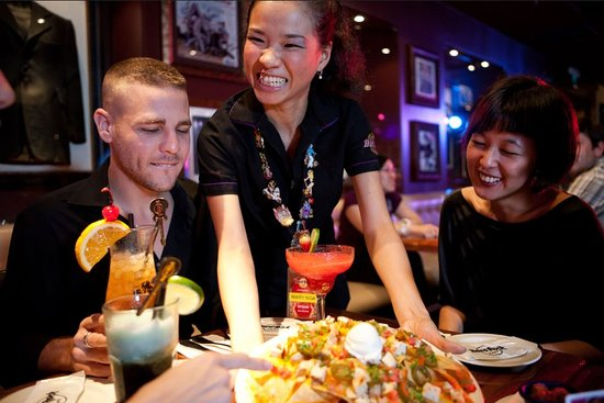 Hard Rock Cafe: Staff that rocks!