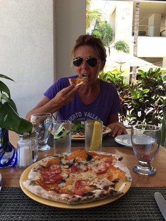 Melanzane Restaurant: great Italian pizza!