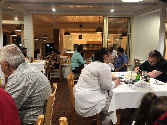 Spartiatis Restaurant: photo0.jpg