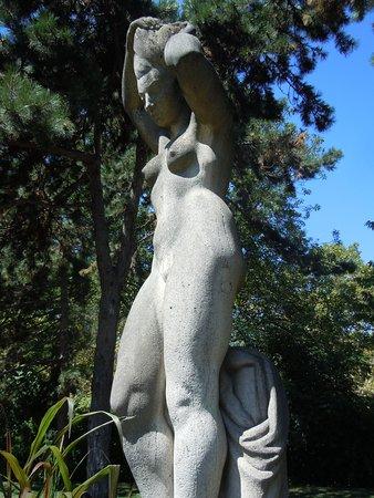 Statue La Baigneuse
