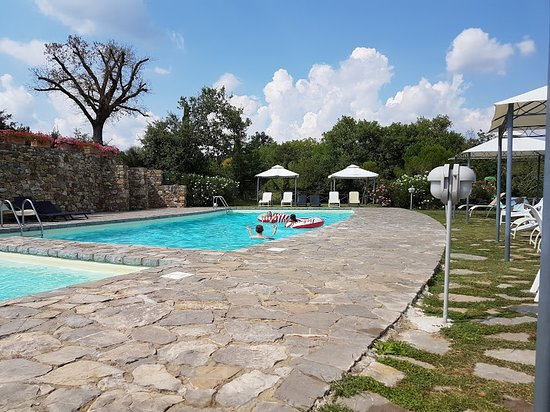 Rigomagno, Italia: kleine bad met jacuzzi, grote bad