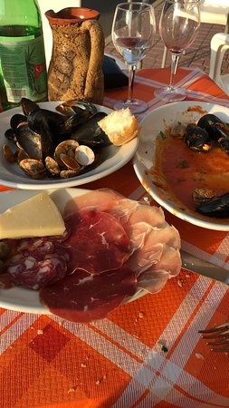 Oschiri, Italien: The food was great and the people were very nice!