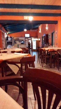 Oschiri, Italie : Buon ristorante, prezzi molto contenuti e pietanze gustose