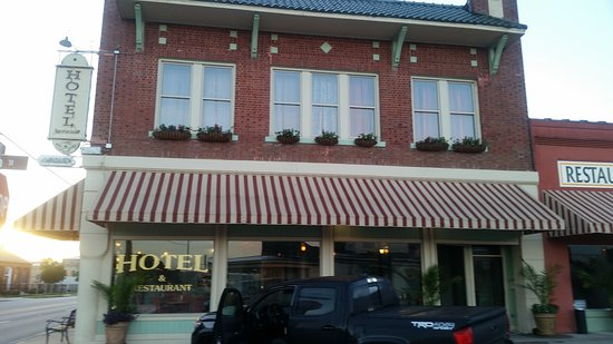 Hotel DeFuniak Picture