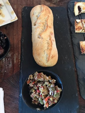 Wölffer Estate Vineyard: baguette with olive tapanade