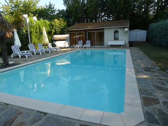 Conques-sur-Orbiel, France: Secluded pool