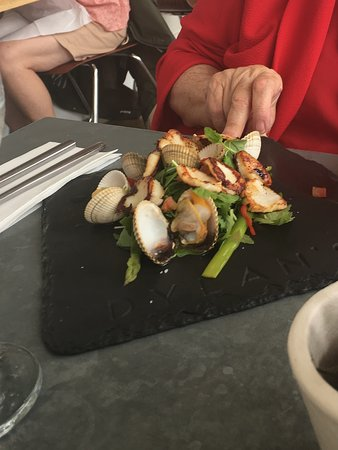 Clam and scallop starter