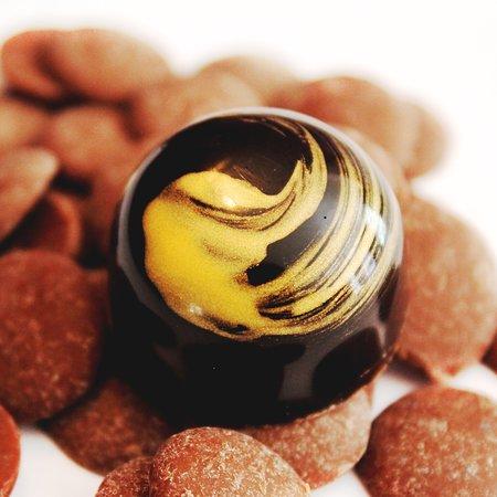 Victoria's Chocolates