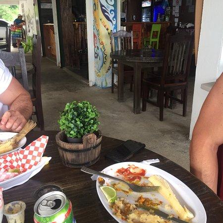 Tortugas Beach Bar & Grill: photo0.jpg